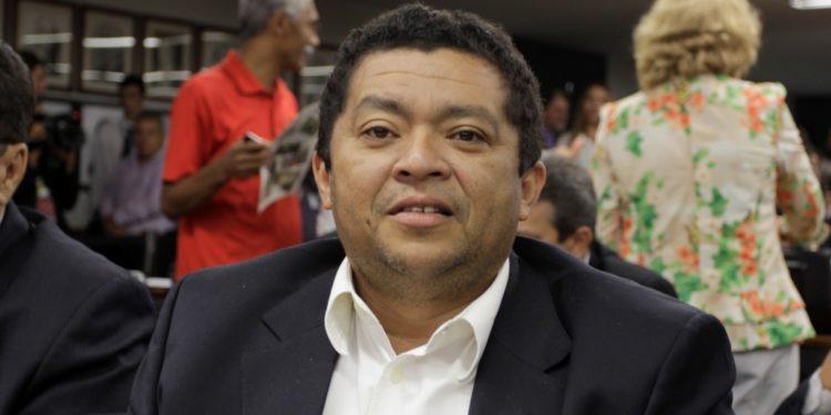 """Beto Faro assume direção e promete PT """" forte e unido"""" no Pará"""