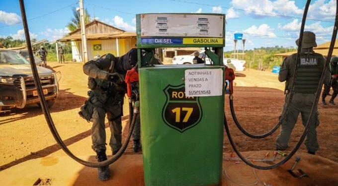 PARÁ – Forças Armadas derrubam cercas, combatem desmatamento e fecham posto de gasolina clandestino